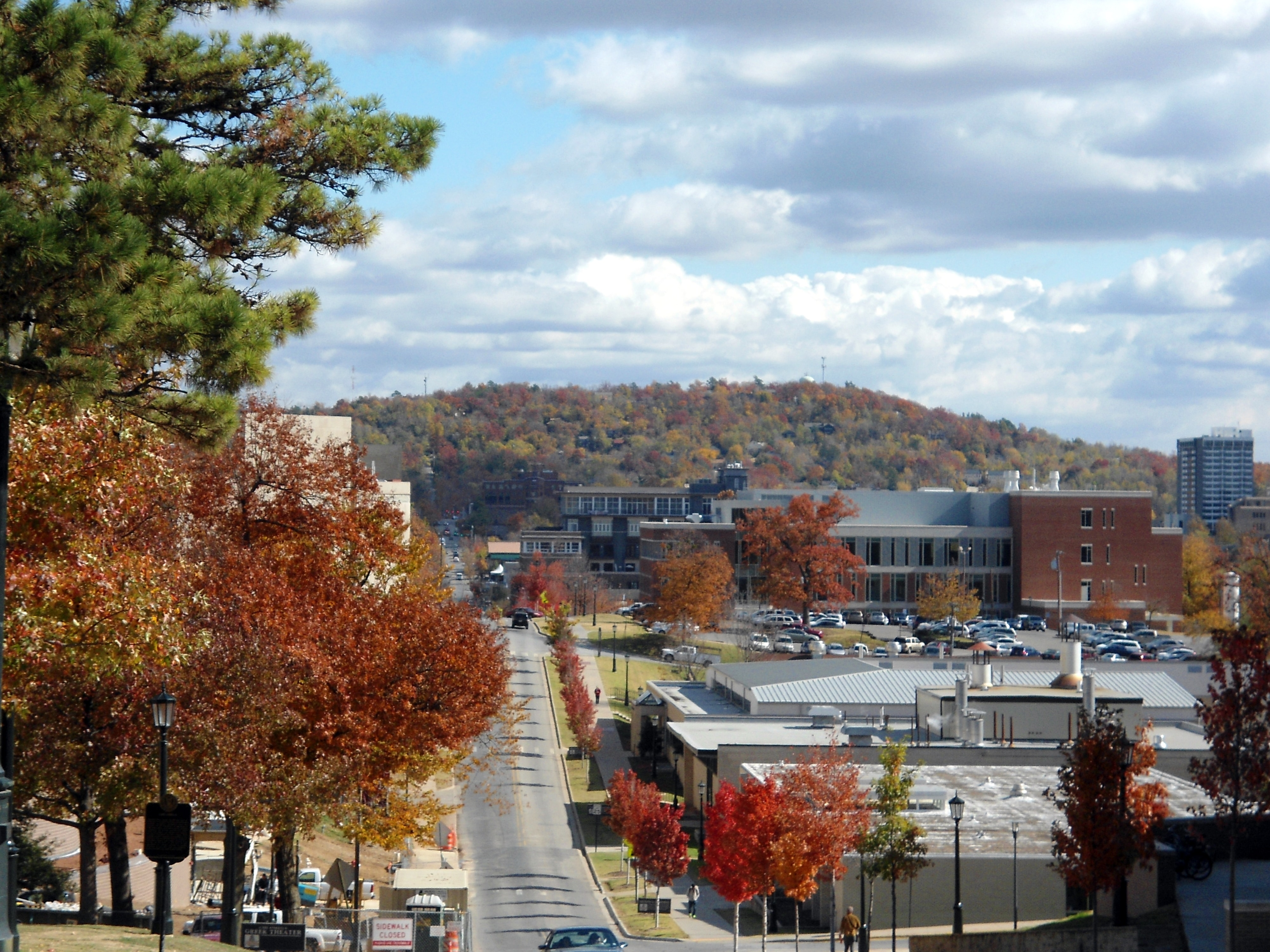 Mount_Sequoyah_and_Fayetteville_from_University_of_Arkansas